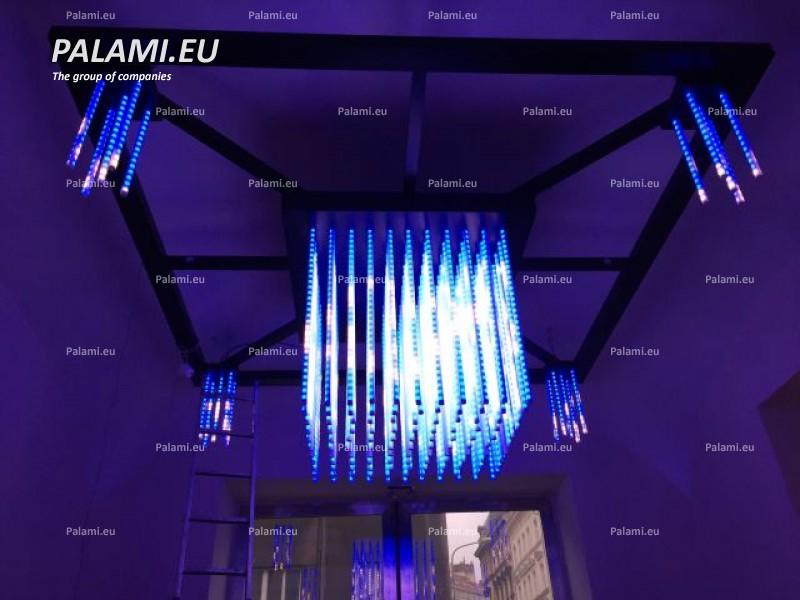 Изготовленный на заказ продукт PALAMI - декоративная лампа для выставочного зала в Праге, Чехия