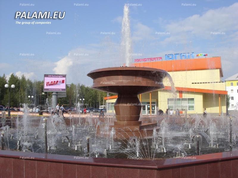 Уличный светодиодный экран установлен в г.Нефтеюганске