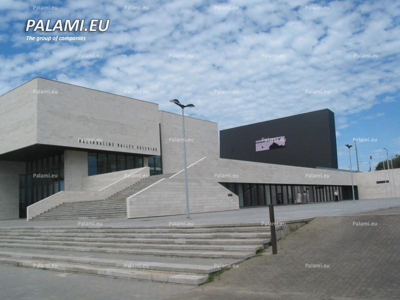"""Два полноцветных светодиодных экрана установлены предприятием """"ПАЛАМИ"""" в г.Вильнюсе"""