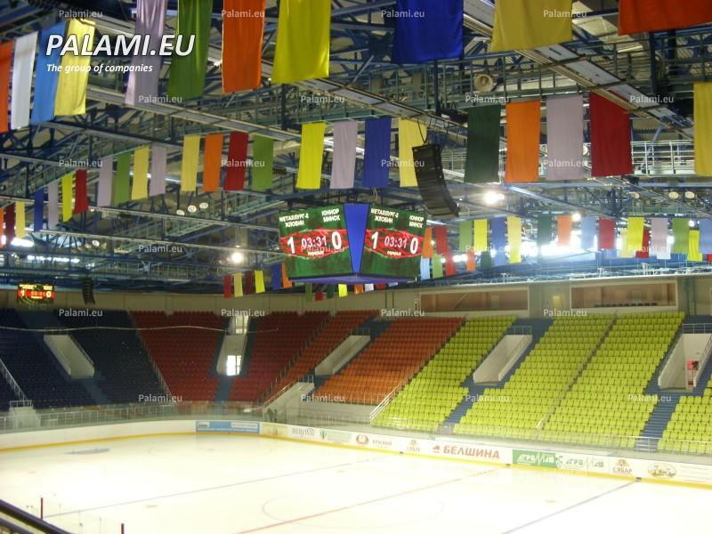 Видеокуб из четырех видеоэкранов и два информационных табло изготовлены и установлены в Ледовом дворце в г.Бобруйске.