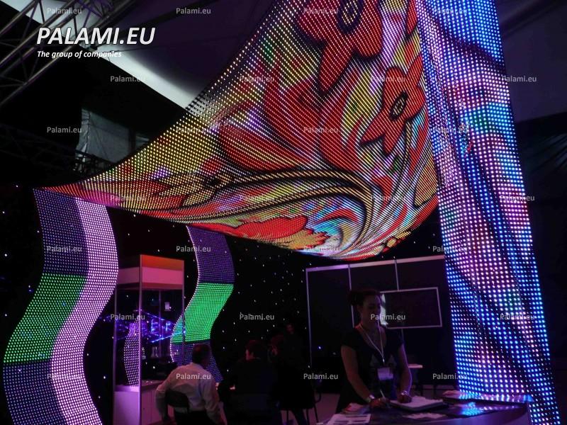 Выставка Музыка-Москва 2010. Представлен гибкий модульный светодиодный экран.