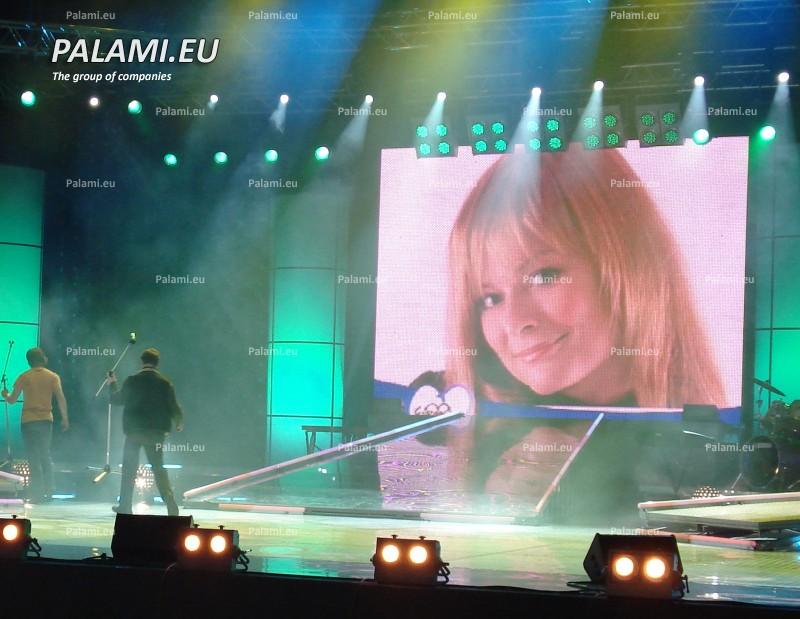 Изготовлен и поставлен быстросборный полноцветный светодиодный экран Palami-RGB-SMD-12 размером 3,84x5,76 метров для Министерства культуры и туризма Республики Тыва. г.Кызыл.