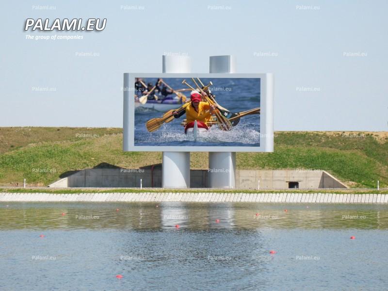 Самое большое в Беларуси светодиодное видеотабло (66 кв.м.) установлено на строящемся гребном канале в г.Заславле.